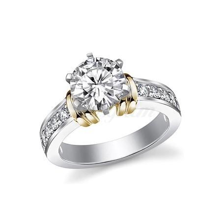 f5fd5e53889f Золотое кольцо для предложения с муассанитом - M-635 - www.rosglam.ru