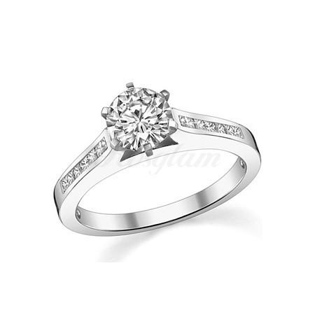db923d4acc70 Золотое кольцо для предложения с муассанитом - M-563 - www.rosglam.ru